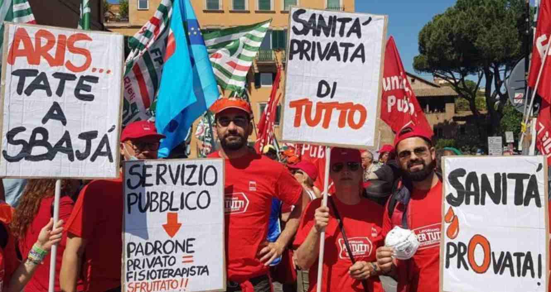 Lavoratori della sanità privata in sciopero