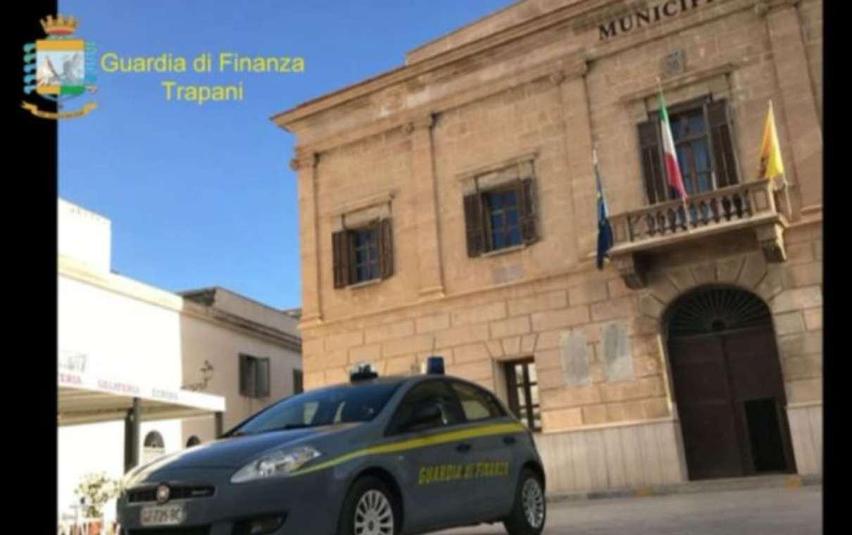 Le fiamme gialle di Trapani in azione