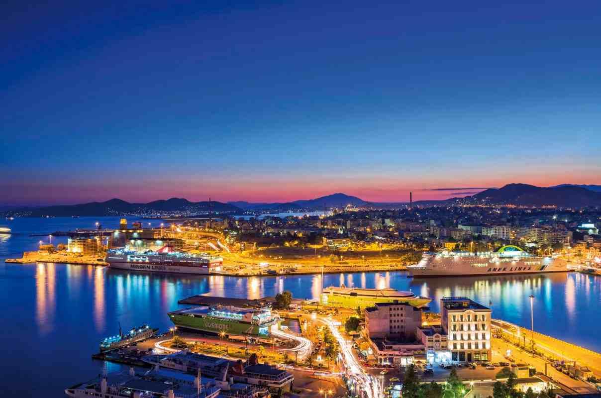 Porto del Pireo. Le quote di maggioranza appartengono alla Cina