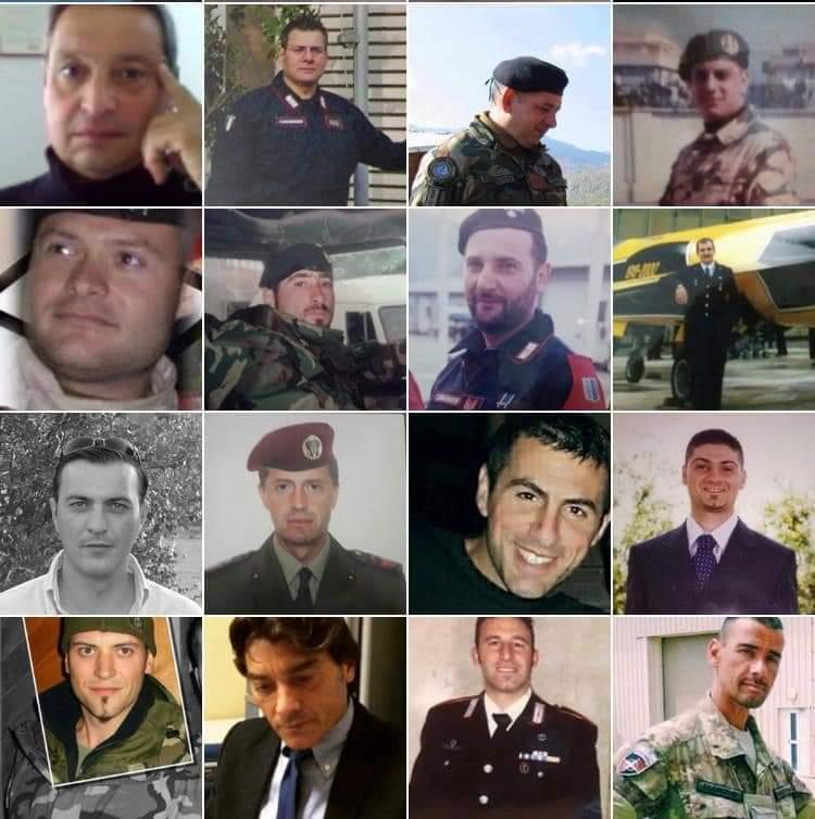 Le foto di alcuni soldati deceduti per cause riconducibili all'uranio impoverito.