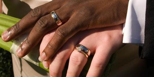 24 matrimoni combinati a Livorno