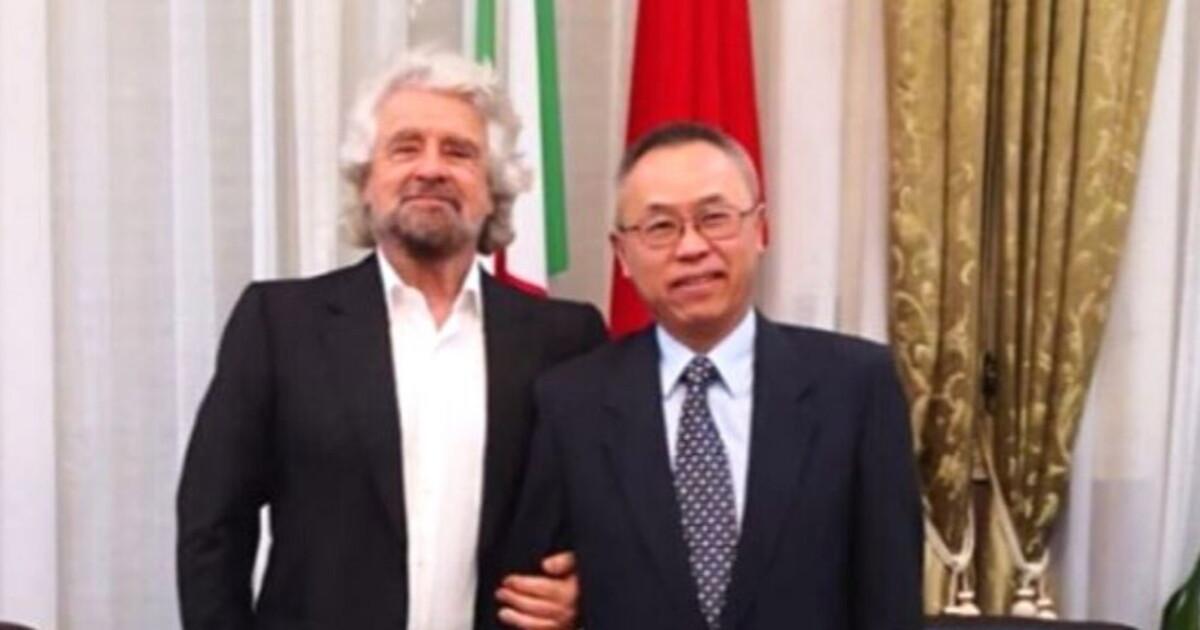 Grillo in visita all'ambasciata di Cina